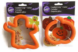 halloween cookie cutters 2 wilton cookie cutters halloween comfort grip jack o lantern