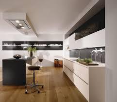 plafond de cuisine design surprenant hotte cuisine ilot cuisine design et travaille plans