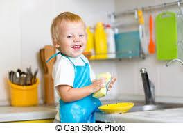 cuisine garcon garçon blond cuisine jouer enfant enfant garçon blond