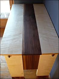 Schreibtisch Aus Ahorn Mit Socken Aus Nussbaum Auf Dem Holzweg