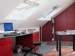 bureau sous pente nos meilleures idées pour aménager et décorer vos combles