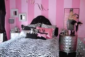 Parrot Decorations Home by Zebra Print Room Theme Home Decorating Ideas Pink Leopard Bedding