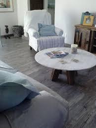 Grey Floor Living Room Wood Floors In Kitchen Vs Tile Picgit Com