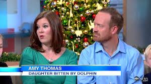 dolphin bites at seaworld caught on tape jillian thomas