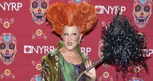 bette midler dresses up as her u0027hocus pocus u0027 character for