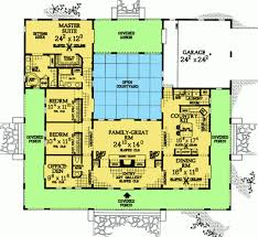 u shaped house with courtyard courtyard home designs 1000 ideas about courtyard house plans on