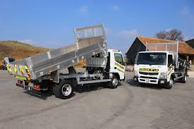 mitsubishi fuso 4x4 crew cab trucks are us hire