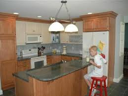 small kitchens with breakfast bars inexpensive budget small bar