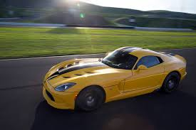 2013 dodge viper acr 2013 srt viper 0 60 mph drive review