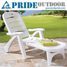 Swimming Pool Furniture by Outdoor Plastic Chaise Lounge Chairs Outdoor Plastic Chaise