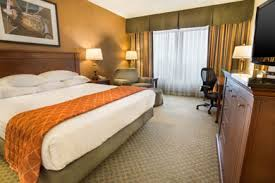 hotels with 2 bedroom suites in st louis mo drury plaza hotel st louis chesterfield drury hotels