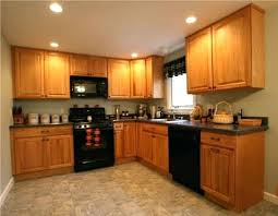 kitchens with oak cabinets and blue walls kitchens with dark