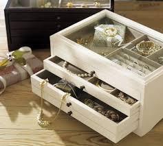 Pottery Barn Jewelry Stand Best 25 Jewelry Box Ideas On Pinterest Jewellery Box Diy