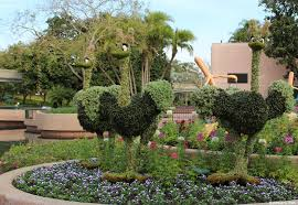 2016 epcot flower and garden festival future world topiaries and