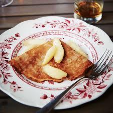cuisiner des crepes crêpes aux poires et au bourbon châtelaine