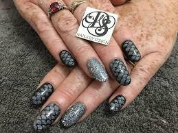 gorgeous hand painted and designed nails wellington based