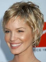hairstyles for women over 50 with low lights golden blonde with carmel lowlights hair ideas pinterest