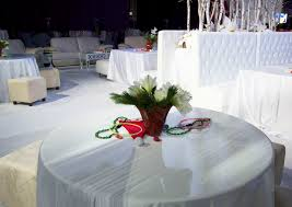 white party decor for a christmas party winter flowers
