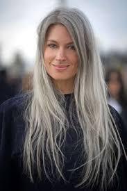 Frisuren Lange Haare Vogue by Statement Graue Haare Zeigen Harris Streetstyle