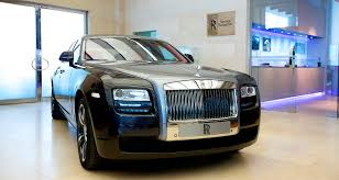 roll royce dubai rolls royce ghost v specification rolls out in region luxury mena