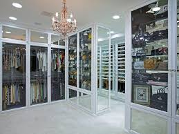 6 tips to create a luxury walkin closet carrie bradshaw would