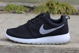 rosh run nike roshe run black