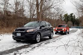 jeep snow comparison review 2016 honda hr v vs 2015 jeep renegade