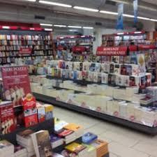 mondadori librerie libreria mondadori livres magazines musique et vid礬o corso