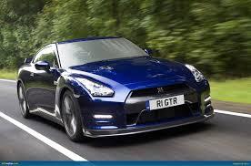 Nissan Gtr Blue - ausmotive com nissan gt r u2013 my11 specs released