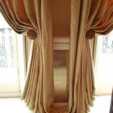 Umbra Curtain Holdbacks Mer Enn 25 Bra Ideer Om Brown Curtain Holdbacks På Pinterest