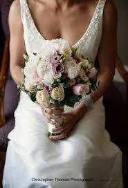 wedding flowers brisbane two tone roses bridal bouquets slideshow weddings