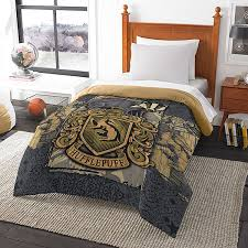 How To Wash A Comforter Harry Potter House Comforters Thinkgeek