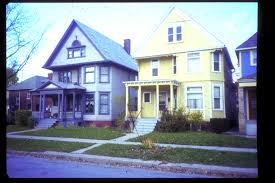 guide offers paint color options for historic homes with web links