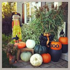 cool halloween decorating ideas with yellow pumpkin ghost displays