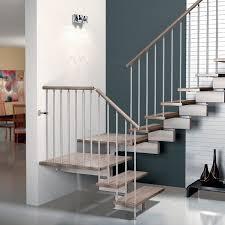 escalier design bois metal escalier demi tournant marche en bois structure en métal