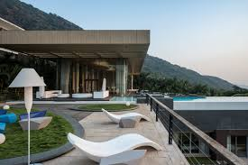 House To Home by Infinity Pool House To Offer An Experience In An Urban Context Of