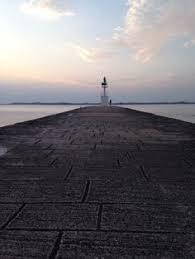 chambre d amour biarritz phare de biarritz vu de la plage de la chambre d amour à
