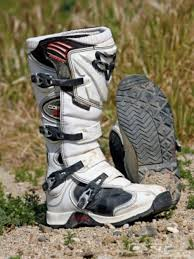 how to break in motocross boots fox comp 5 boots alpinestars tech 3 axo dart boots dirt rider