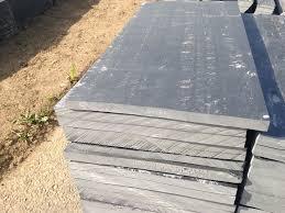 plaque ardoise jardin les plaques en ardoise décoratives de côté déco
