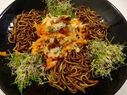 insecte cuisine test culinaire avec des vers de farine entomove project