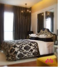 Black And Gold Damask Curtains by Dramatic Damask Bedroom Decor Idea With Black And White Sheet Also