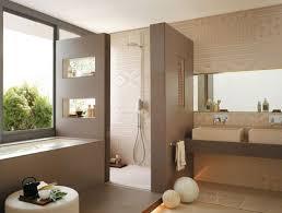 moderne badezimmer mit dusche und badewanne ideen für ein modernes badezimmer design mit praktischen fliesen