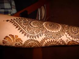 henna decorations career as a mehndi artist