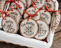 winter wedding favors cool ideas christmas wedding favors ornaments uk diy tree