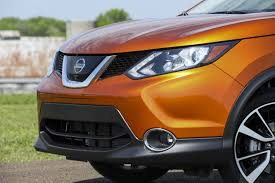 2017 nissan rogue 2017 nissan rogue sport our first impressions digital trends