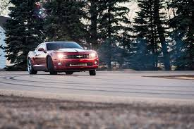 2006 dodge charger and 2010 chevrolet camaro ss rule the street