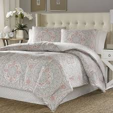 Bedroom Ideas With Brown Carpet Bedroom Cheap Duvet Covers With Brown Carpet And Standing Lamp