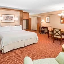 small crystal bedroom ls holiday inn crystal lake 34 photos 35 reviews hotels 800 s
