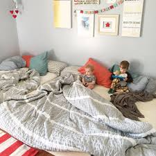 How To Sleep Comfortably On The Floor Best 25 Family Bed Ideas On Pinterest Toddler Bed Transition