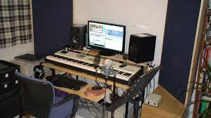 small studios acoustics treatment for a small home studio music producer